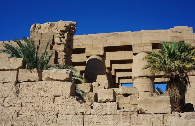 Karnak temple columnar, religion.