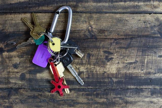 Keys key lock, architecture buildings.