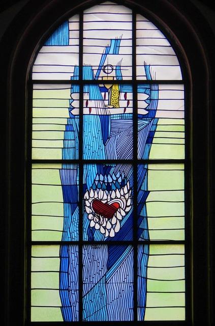 Kiliansdom würzburg church window.