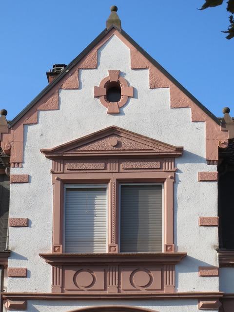 Kirchenstr hockenheim gable, architecture buildings.