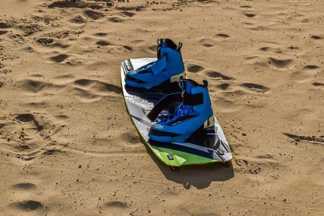 Kite surfing sport equipment, sports.