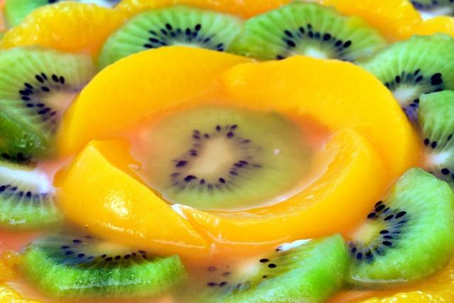 Kiwi apricot fruit, food drink.