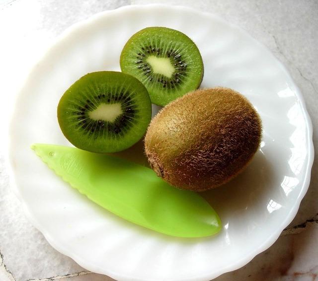 Kiwi fruit food, food drink.