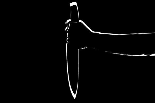 Knife stabbing stab, people.