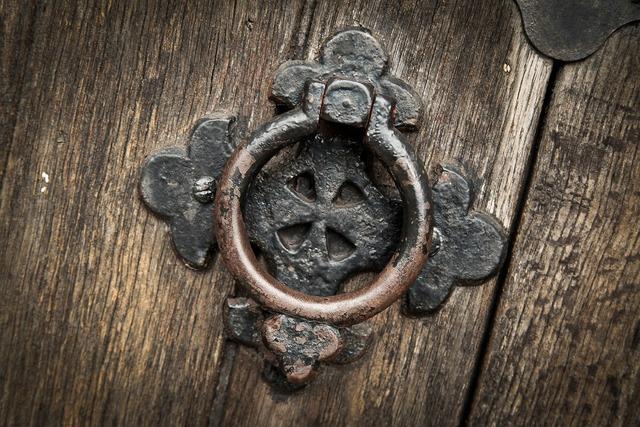 Knocker door doorknocker, religion.
