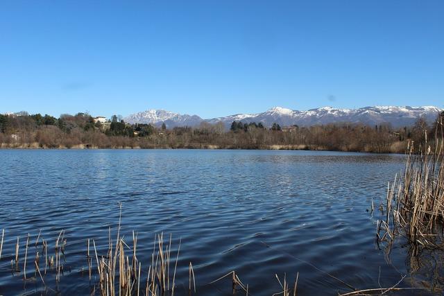 Lago di sartirana lake prealpi.