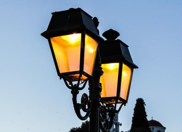 Lamp light elegance.