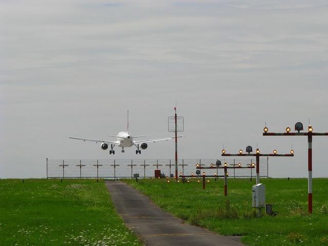 Landing approach aircraft.