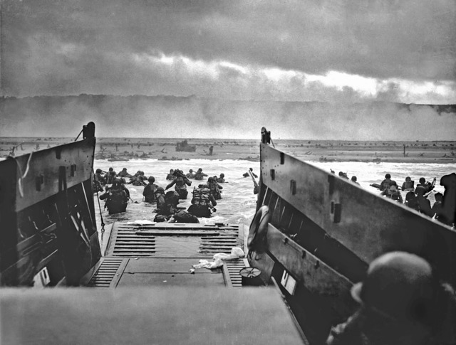 Landing craft omaha beach normandy, places monuments.