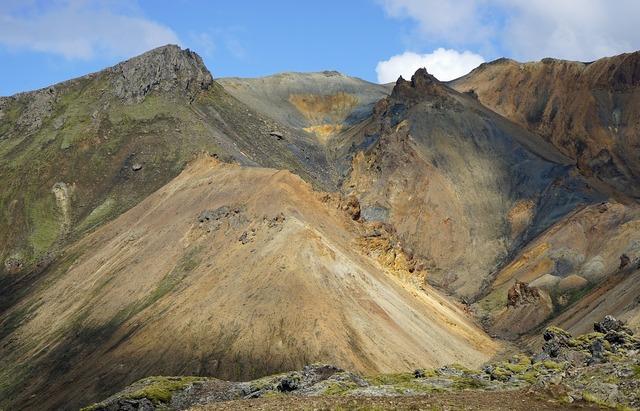 Landmannahellir iceland volcano.