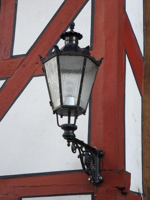 Lantern lamp ornament.