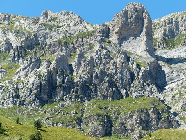 Le piramidi cimonasso mountains, nature landscapes.