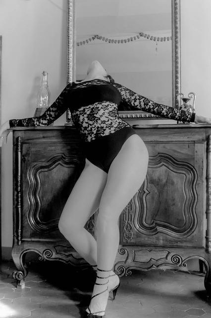 Leg thigh black and white.