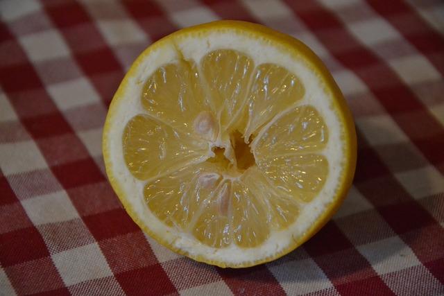 Lemon butterfly goes fruit, food drink.