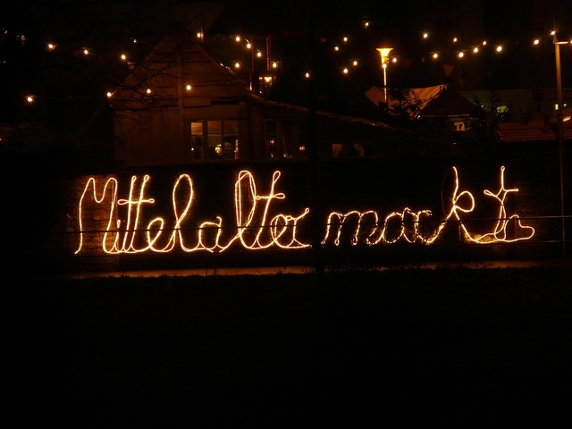 Lichterkette lettering lighting.