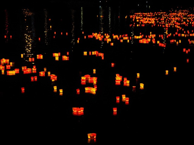 Lights candles floating candles.