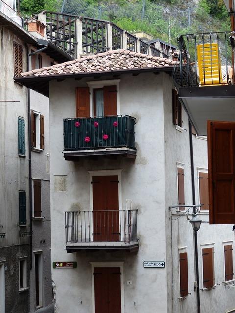 Limone sul garda residence live, architecture buildings.