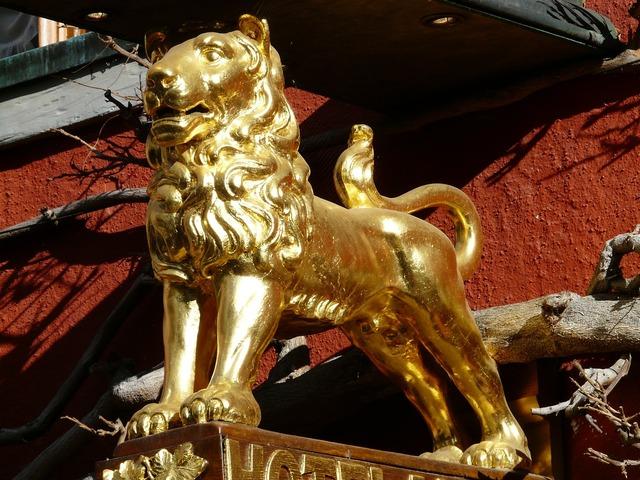 Lion golden inn.