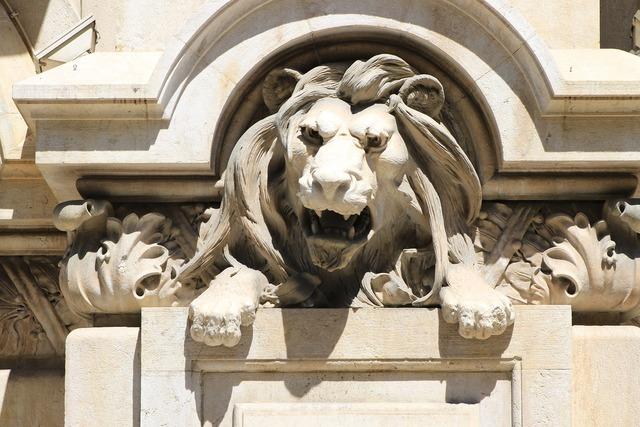 Lion statue statue of a lion, architecture buildings.