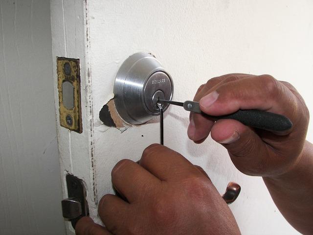 Locksmith locks unlock, architecture buildings.