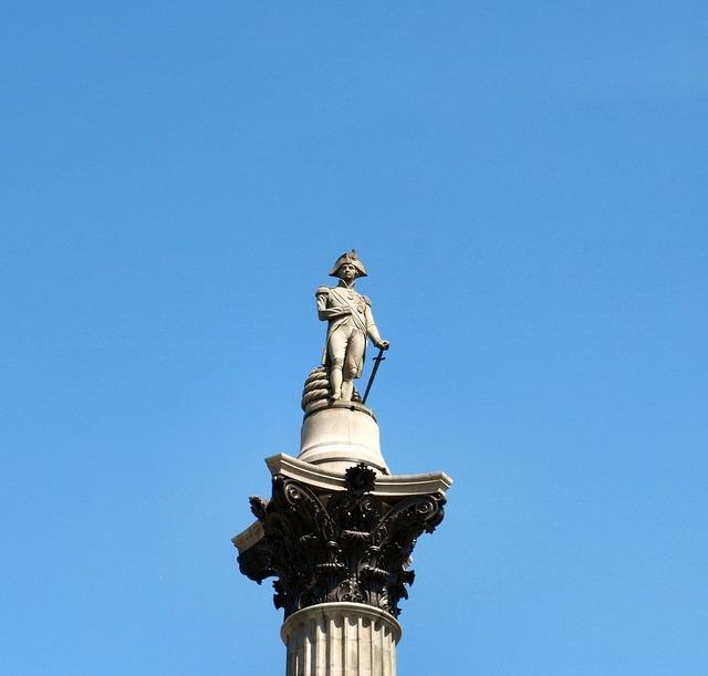 Lord nelson london trafalgar square.