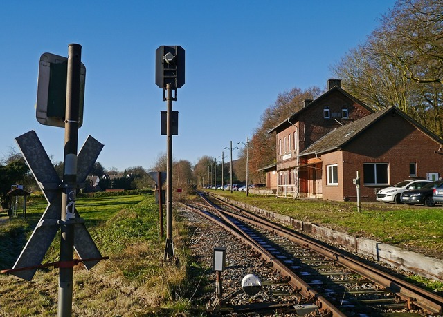Lost place shut down railway station.