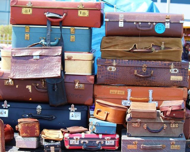 Luggage stack vintage.