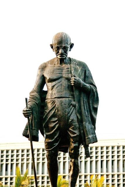 Mahatma gandhi statue bronze, places monuments.