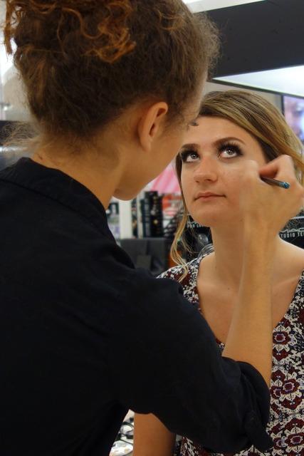 Makeup model process.