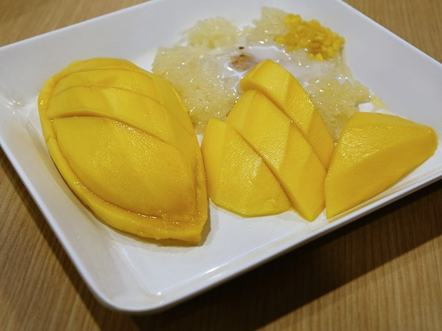 Mango sticky rice coconut milk, food drink.