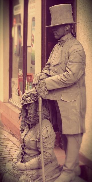 Marburg statue human.