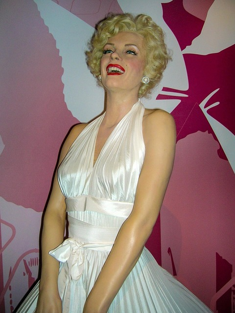 Marilyn monroe wax figure actor, beauty fashion.