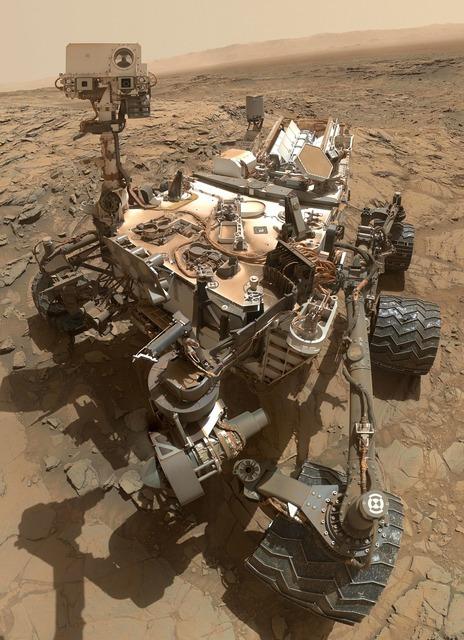 Mars rover curiosity vehicle, transportation traffic.