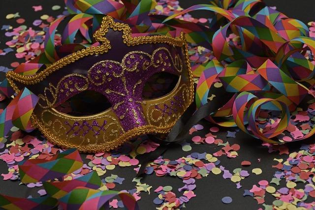 Mask carnival confetti.