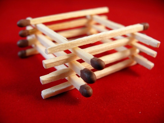 Matchsticks matches burn.