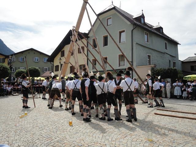Maypole customs bavarian traditions.