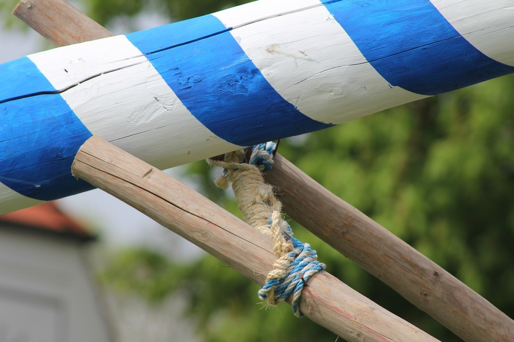 Maypole setting up maypole set up.