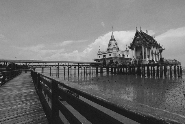 Measure sea thailand, religion.