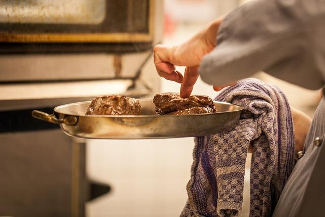 Meat wreak steak, food drink.