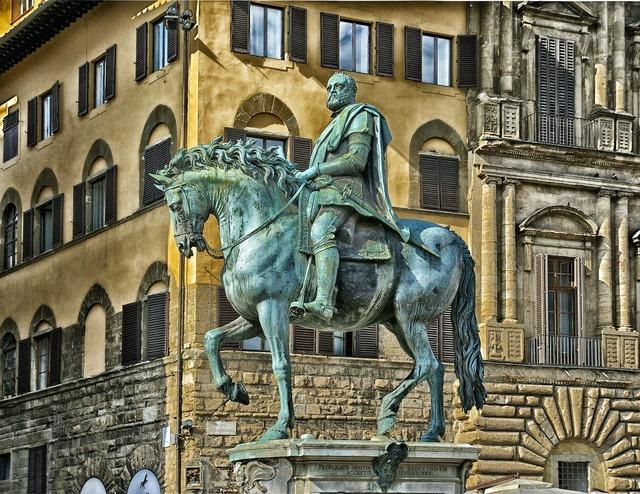 Medici plaza statue, architecture buildings.