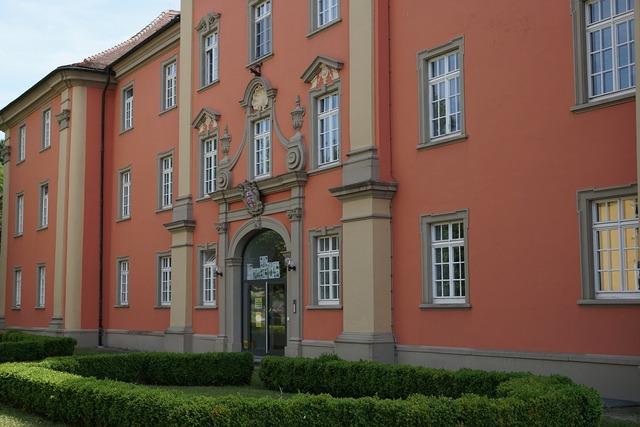 Meersburg vineyard high school, education.