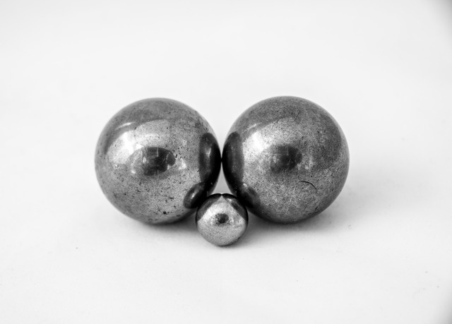 Metal balls bearings.