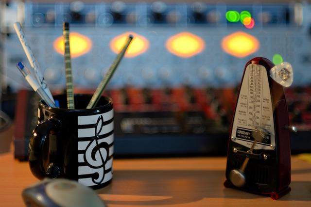 Metronome clock sound studio, music.