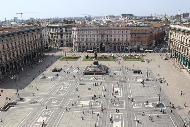 Milan piazza duomo italy.