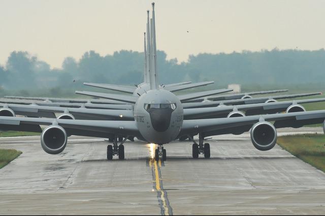 Military jets kc-135 stratotanker.