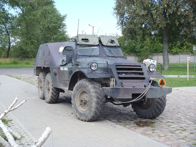 Military vehicle armament gas, transportation traffic.