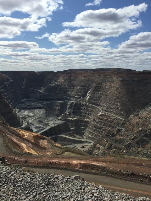 Mine work australia, industry craft.