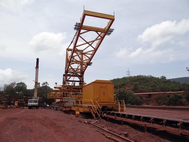 Mining iron ore mine, transportation traffic.