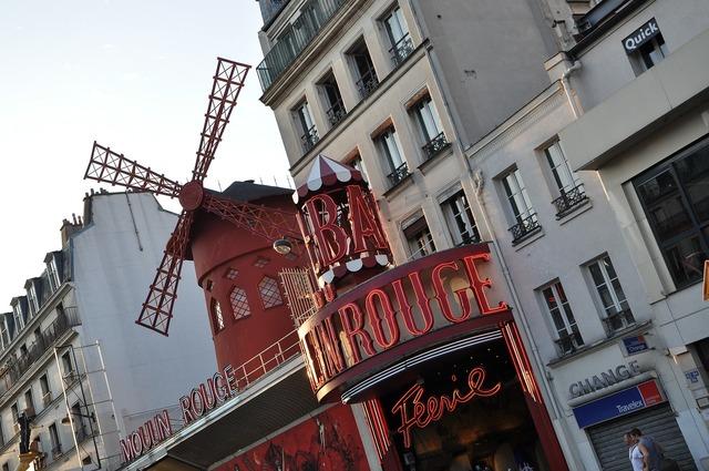 Moulin rouge paris cabaret.
