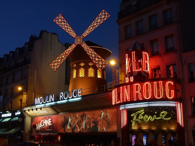 Moulin rouge paris red mill.